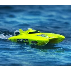 Lancha Miss GEICO 17 2.4 Catamaran RTR