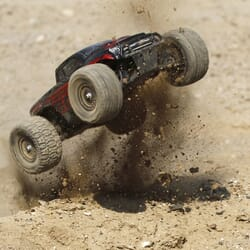 Coche 1/18 Ruckus 4WD Monster Truck RTR